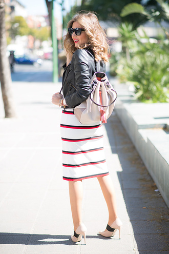 mi aventura con la moda blogger shoes striped dress leather jacket black leather jacket backpack nude bag nude heels