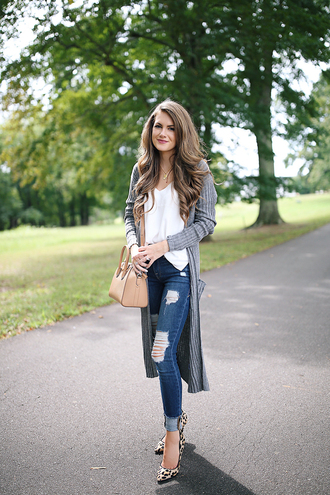 southern curls and pearls blogger cardigan tank top jeans shoes make-up fall outfits pumps high heel pumps long cardigan