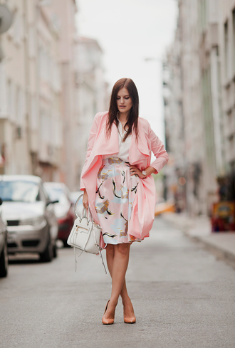 the bow-tie blogger pink coat pastel printed skirt pink skirt trench coat