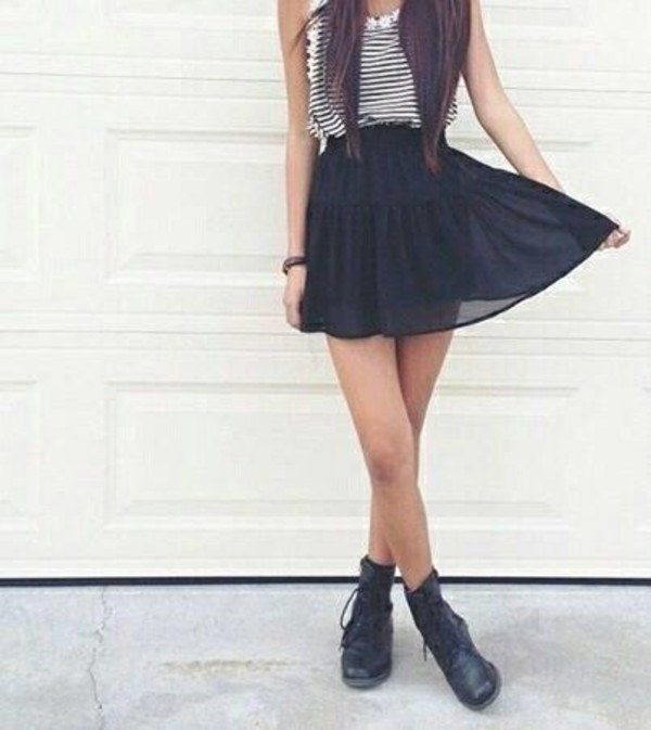 skirt stripes daisy black and white high waisted daisy peach #highwasted #skaterskirt shirt shoes blouse