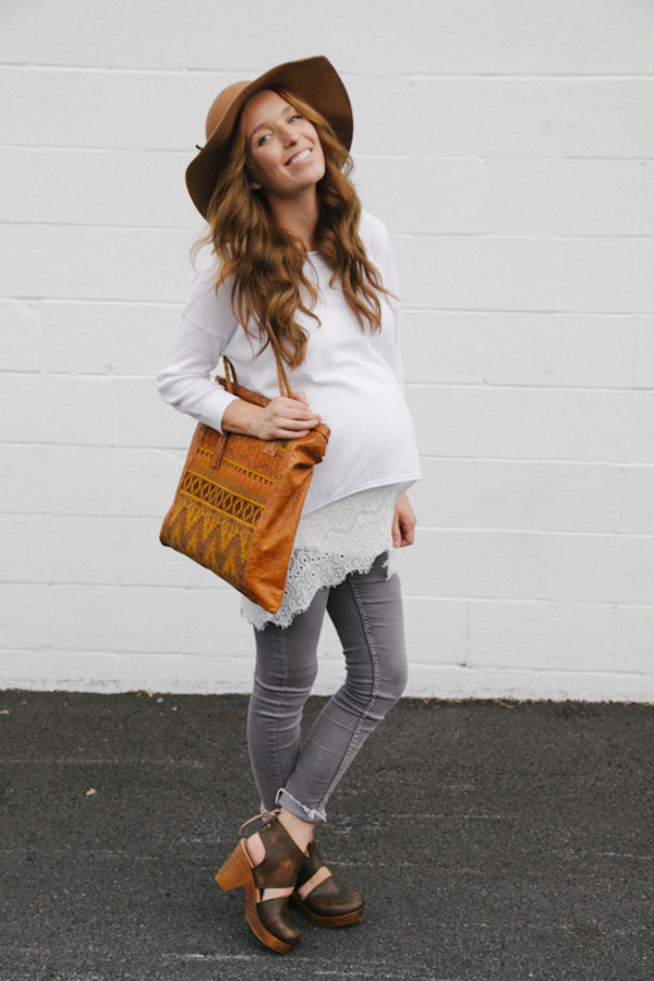 the day book blogger shoes jeans top bag fall outfits maternity