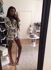 roses,black girls killin it,floral,floral shirt,romper,jumpsuit,blue,flowered shorts,floral romper,cotton,nude,beige,sandal heels,sexy,girly,blue flowers,summer outfits,pretty,cream,shorts,shoes