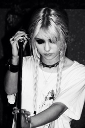 jewels,taylor momsen,black and white,grunge,shirt