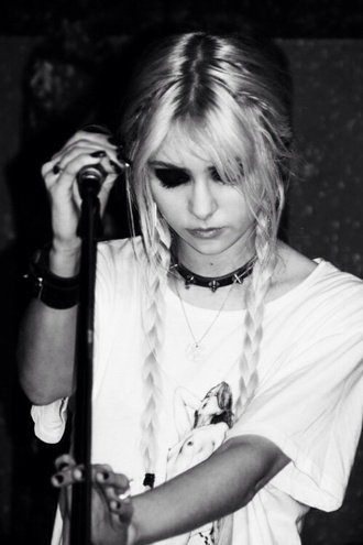 jewels taylor momsen black and white grunge shirt