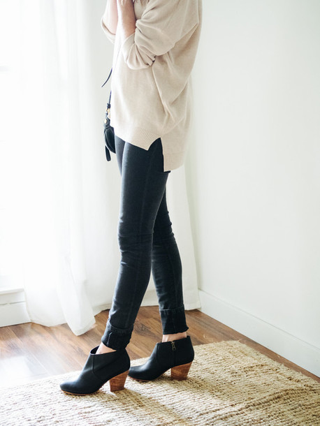 shoes tumblr mid heel boots black boots ankle boots jeans black jeans  sweater nude sweater fall e12a4d355