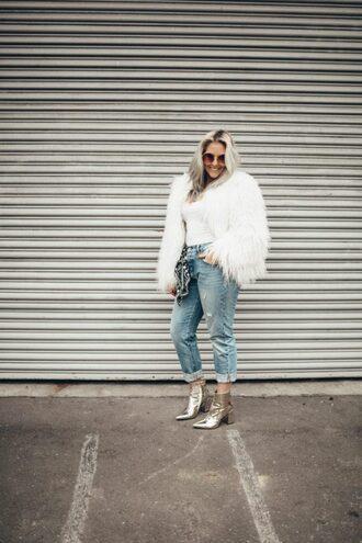 katwalksf blogger tank top jeans shoes sunglasses