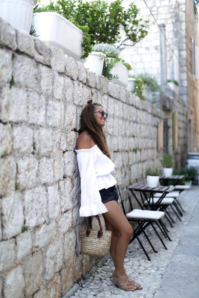 b a r t a b a c blogger top shorts shoes sunglasses