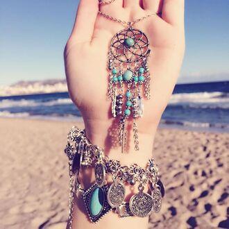 jewels cherry diva dreamcatcher dreamcatcher necklace silver silver necklace necklace statement necklace jewelry boho jewelry boho bohemian bohemian jewelry gypsy gypsy jewelry