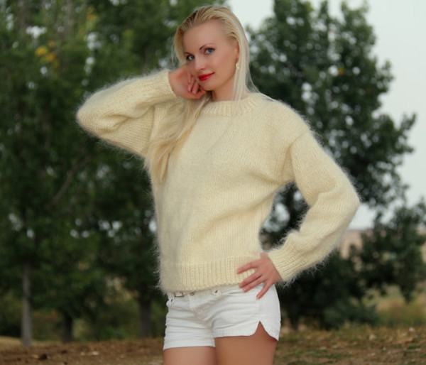 blouse hand knit made ivory crewneck sweater jumper mohair supertanya soft fluffy fluffy
