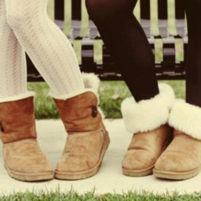 white jeans and uggs