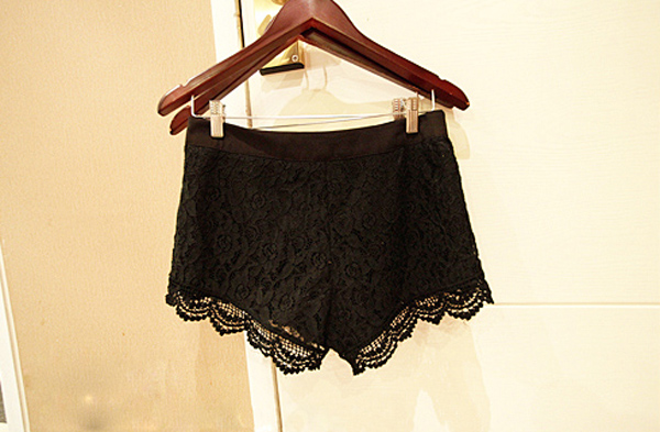 FASHION CHIC TWO-COLOR CROCHET LACE SHORTS GWF-6054 | eBay