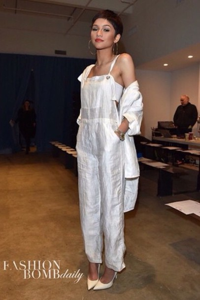 jumpsuit zendaya white jewels shoes