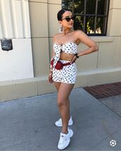 top,shorts,sneakers,sunglasses,polka dots
