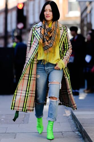 coat boots neon streetstyle fashion week london fashion week 2018 top scarf burberry trench coat
