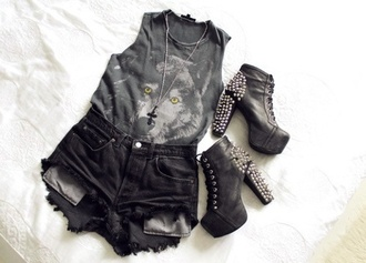 tank top dark wolf print shorts eyes animal print animal print top wolf jewelry shoes shirt black coyote top bag besssttt