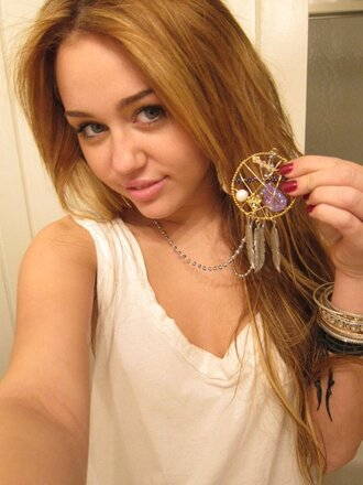 jewels necklace dreamcatcher necklace indian native american miley cyrus celebrities in white jewelry dreamcatcher gold boho boho chic boho jewelry miley cyrus jewelry dreamcatcher jewelry bohemian