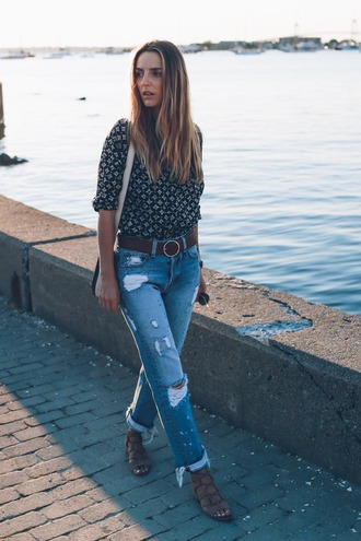 prosecco and plaid blogger blouse jeans top shoes belt bag jewels cropped bootcut jeans cropped bootcut blue jeans cropped bootcut ripped jeans ripped jeans blue jeans cuffed jeans printed shirt shoulder bag white bag spring outfits sandals flat sandals caged sandals