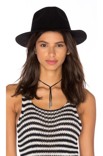 Assembly Label hat black
