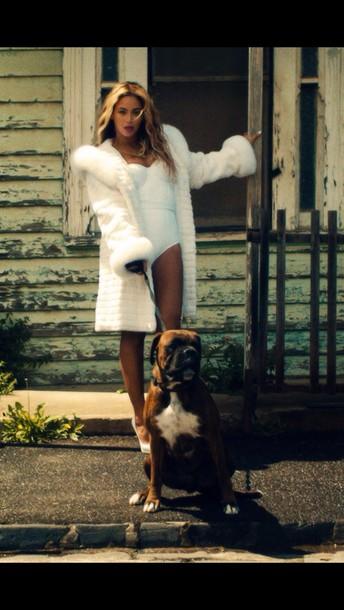 coat no angel fur jacket white bodysuit beyonce bey queen b beyonce concert