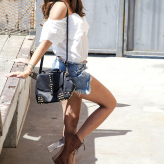 6zjkoi-l-c335x335-shoulder+bag-denim-boots--heels-distressed-cutoff+shorts-cutoff-cutoff+denim+shorts-shoulder+crop-shoulder-fedora-studded-studded+shoulder+bag-lace+boots 25 Cute Outfits Ideas to Wear with Denim Studded Shorts
