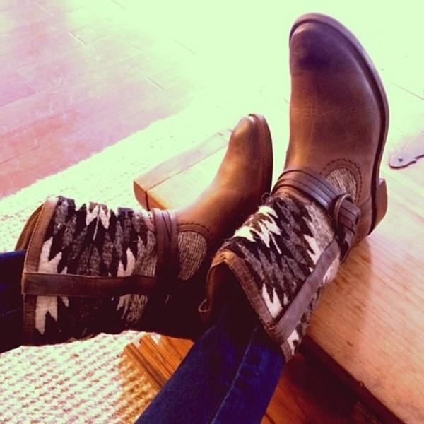 shoes boots etnies ethnic aztec cozy hipster cool brown shoes aztec