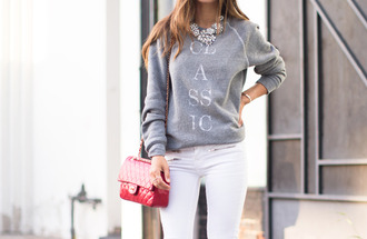 sweater grey sweatshirt classic red bag white skinny jeans