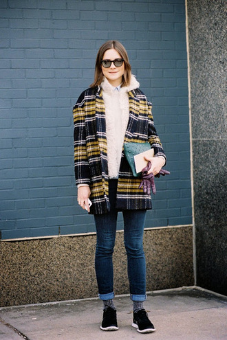 vanessa jackman blogger jeans cardigan faux fur tartan sunglasses fall outfits gloves clutch coat sweater top