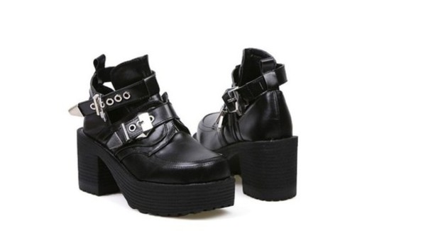 shoes black  high heels platform shoes tumblr shoes gothic boots chunky shoes buckles