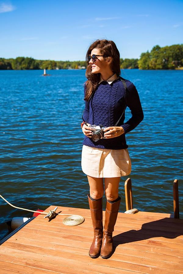 classy girls wear pearls blogger bag socks jewels sweater