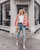 jacket,faux fur jacket,cropped jacket,teddy bear coat,pink jacket,sweater,cropped jeans,belt,ankle boots,snake print,shoulder bag
