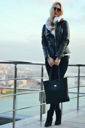 ag on i ya,blogger,leather jacket,tote bag,scarf,jacket,sweater,pants,shoes