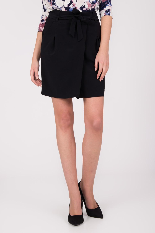 Czarna krótka spódnica z wiązaniem