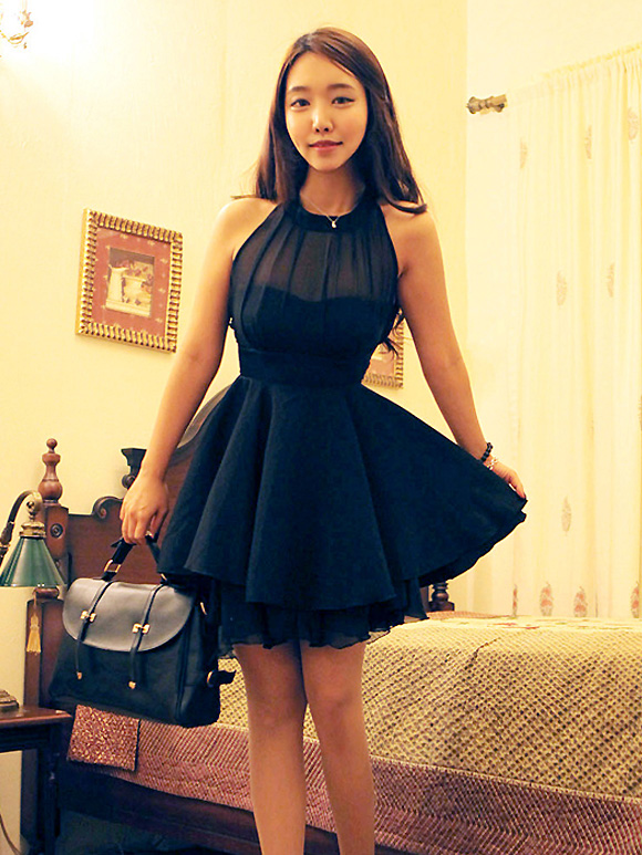 Charming women's solid color off shoulder slim pleated chiffon dress black