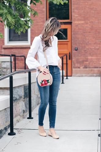 shirt tumblr white shirt bell sleeves denim jeans blue jeans skinny jeans flats ballet flats nude flats bag round bag