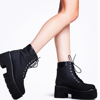 shoes divergence clothing thick heel shoes thick heel boots black boots thick heel black boots graphic tee boutique grunge where to get these shoes divergence clothing chelsea boots divergence clothing black boots divergence clothing fall fashion chelsea boots thick heel tumblr outfit tumbrl girl these shoes
