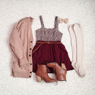 skirt bordeaux top black t-shirt black crop top white top heels brown high heels