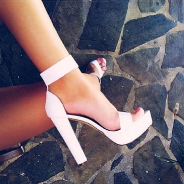 shoes chunky heels white strappy sandals plain white plain black plain tan