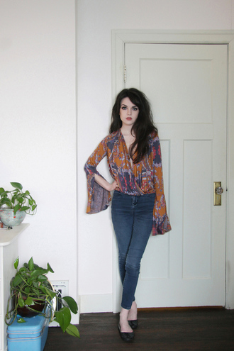 abbey e. life in red lipstick blogger blouse jeans