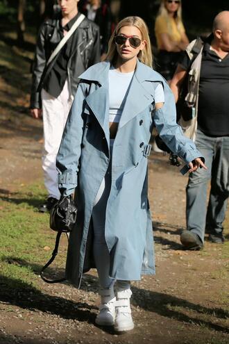 leggings top crop tops hailey baldwin milan fashion week 2017 streetstyle model off-duty coat