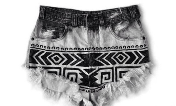 shorts style crop cropped tribal pattern tribal pattern black and white High waisted shorts tribal high waist shorts high waisted shorts jean rips