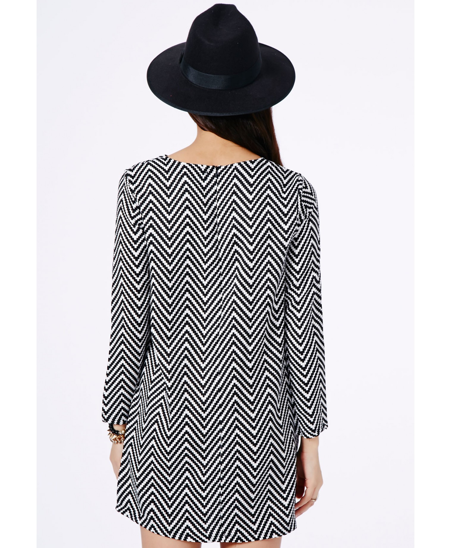 Missguided - Kicia Monochrome Chevron Shift Dress