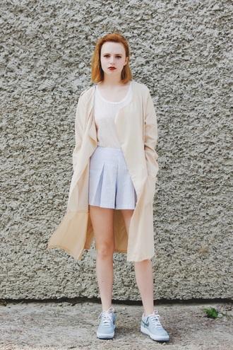 kristina magdalina blogger coat t-shirt pale pastel beige long coat pleated skirt