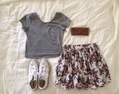 skirt,flowery skirt,t-shirt,shoes,lovley,pink skirt,flower skirt,short skirt,grey shirt,shirt,outfit,converse,sweet,floral skirt,skater skirt,top,white shoes,grey