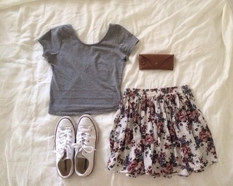 skirt flowery skirt t-shirt shoes lovley pink skirt flower skirt short skirt grey shirt shirt outfit converse sweet floral skirt skater skirt top white shoes grey