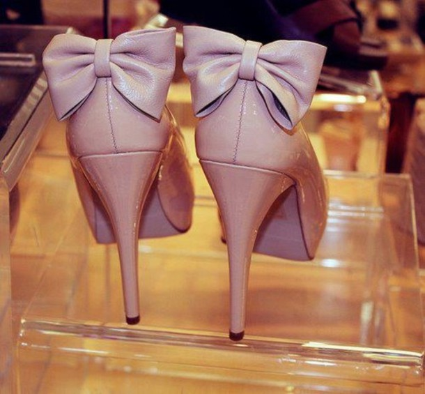 shoes bow bows pumps nude high heels - Nude Leather Closed Toe Bow Back Platform Pump Heels @ Amiclubwear