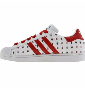 shoes adidas adidas shoes adidas superstars london cities series adidas superstar cities series adidas superstars cities series limited collection limited edition adidas limited collection 35th anniversary tumblr aesthetic aesthetic tumblr tumblr outfit brand red red shoes london shoes