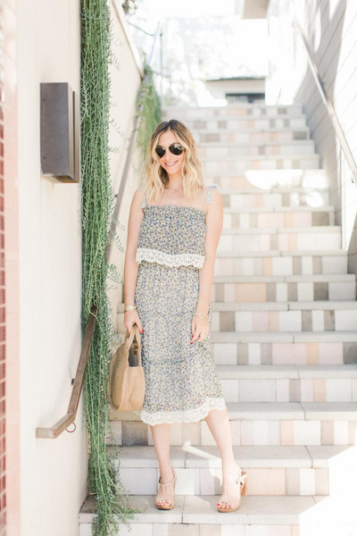 cupcakes and cashmere blogger dress bag shoes summer dress summer outfits straw bag round bag basket bag sandals