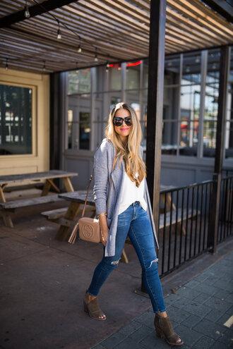 the teacher diva blogger cardigan leggings jeans shoes tank top sunglasses jewels bag make-up