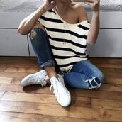 top,stripes,striped top,big stripes,white,white shoes,tennis sneakers,sneakers white,jeans,denim,necklace,striped shirt