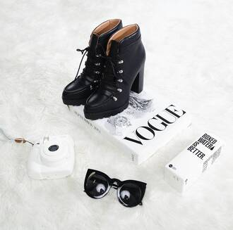 shoes boots contest girly grunge vogue black boots lace up boots black shoes
